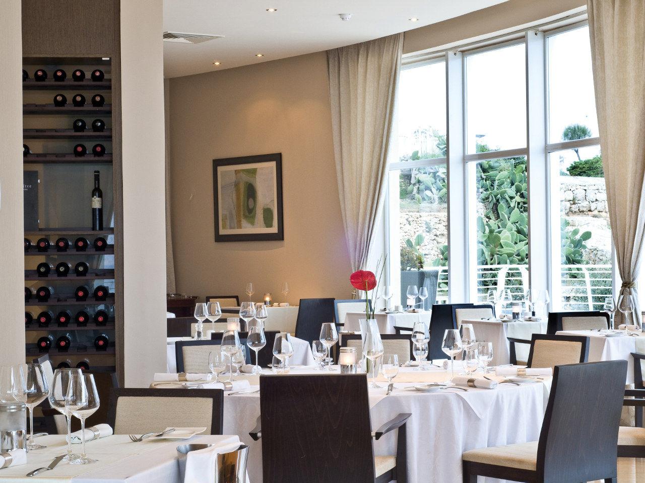 MLAZR-MainGallery-restaurants-bars-3