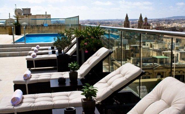 Outdoor-Pool-Sliema-The-Victoria-Hotel-Malta-1